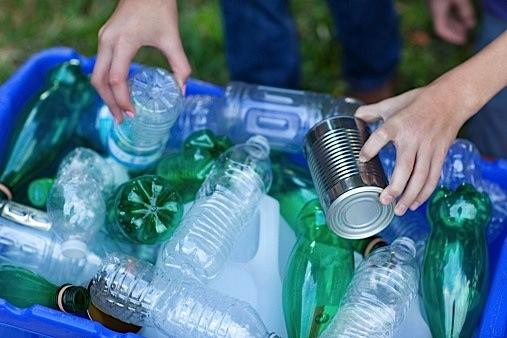 recycle-aluminum-plastic-waste-landfill-environment-economy-Toronto-condo.ca_