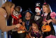 trick-or-treating-streets-halloween