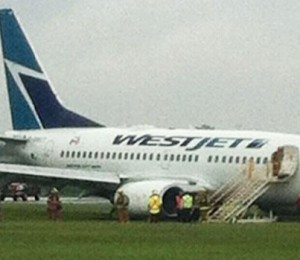 west jet Plane skids off runway in Montreal