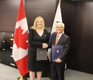 ambassador cho and minister lisa raitt