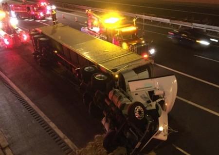 highway 427 truck rollover