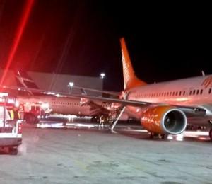 pearson airport airplane collision