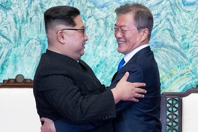 moon jae in kim jong un hug